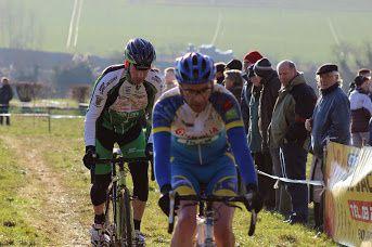 Tenue aux couleurs du Team Samara Cyclisme