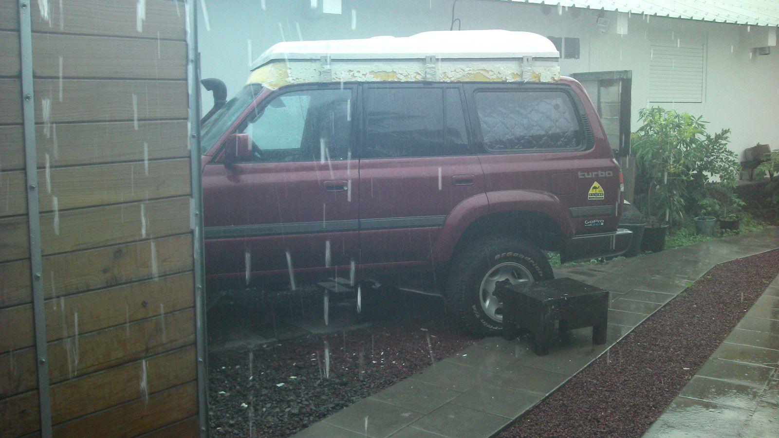 la pluie interrompt parfois les travaux...