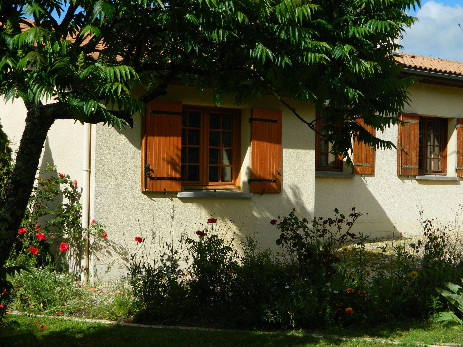 Il fait chaud le blog de la fond du for Derriere les murs de mon jardin