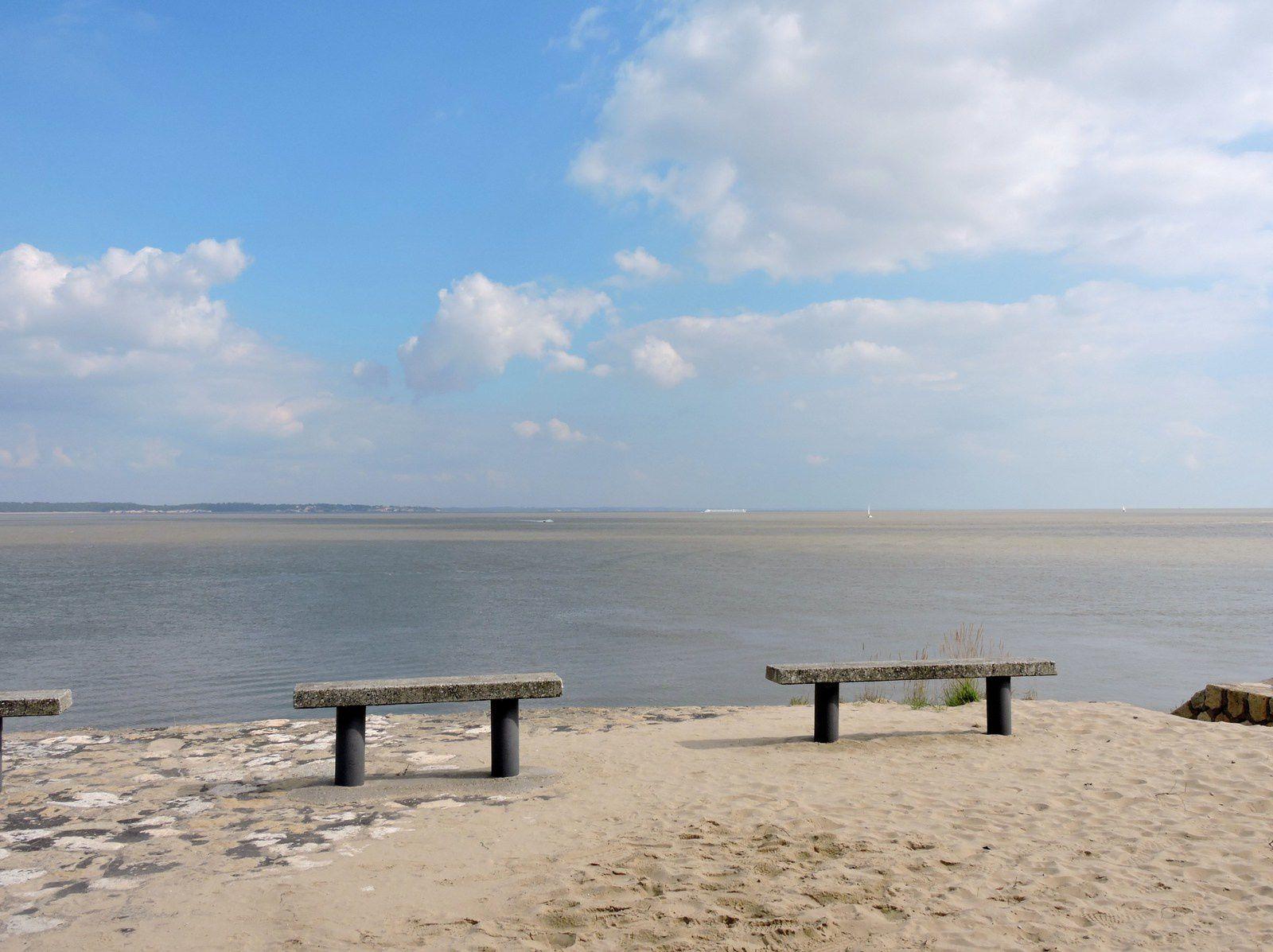 Le Verdon ,c'est ici que se rencontrent l'océan et les eaux de l'Estuaire de la Gironde , c'est ici aussi que l'on prend le bac pour rejoindre ROYAN.