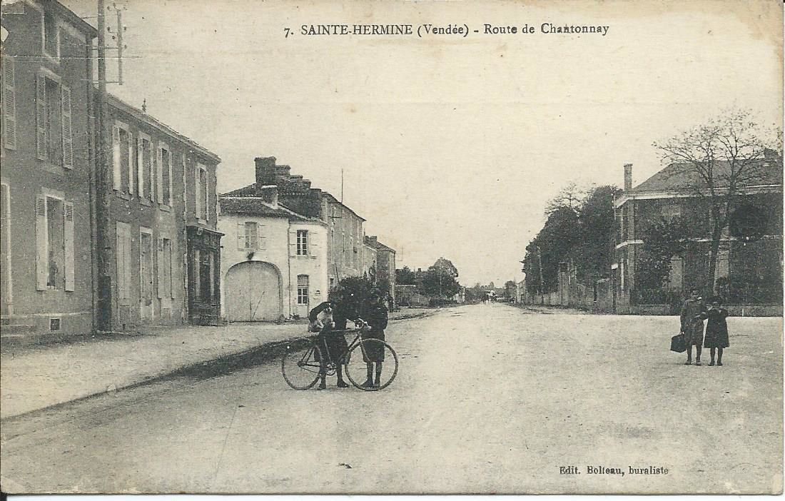 Ste Hermine Place St Hermand
