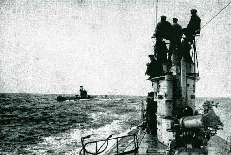 U 52 en vue d'un U35