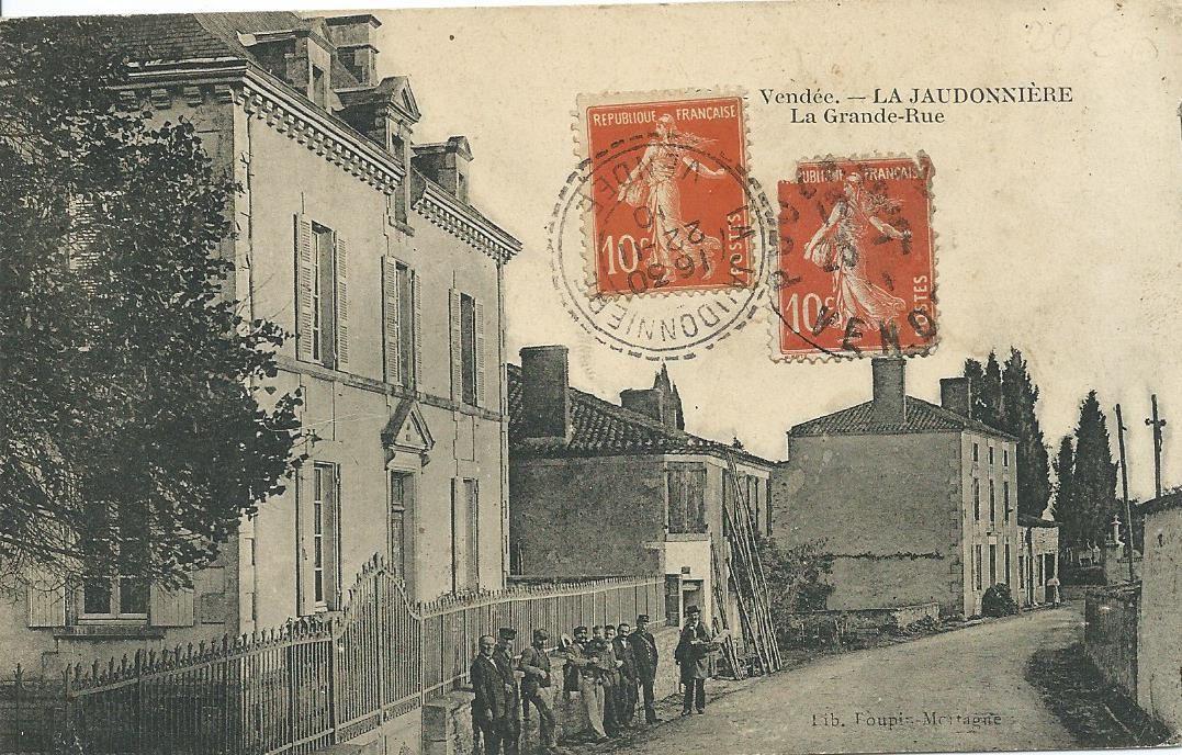 La Jaudonnière : la grande rue (postée en 1910)