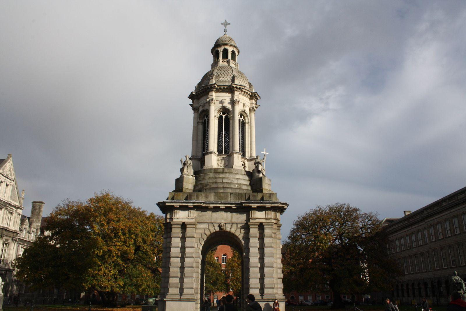 Je vous fait visiter Dublin : Trinity college et sa bibliothèque