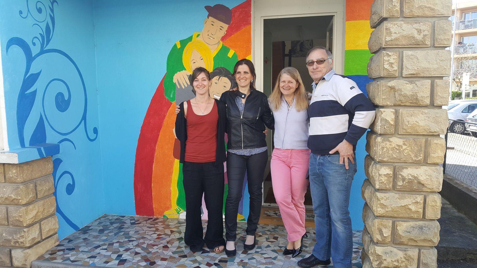 Vanessa Camaret et  Stéphanie Holvèque ont inauguré le premier café des familles avec leur assoication Pitchouns et Grands.