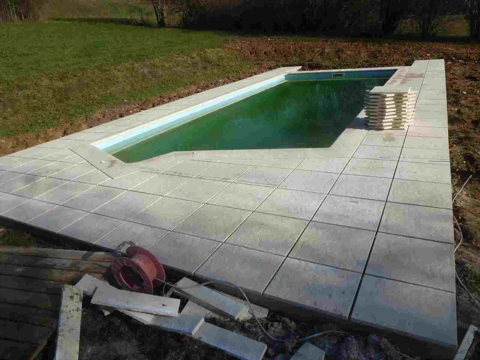 pose de margelles et de dalles autour d 39 une piscine ricaud paysage. Black Bedroom Furniture Sets. Home Design Ideas