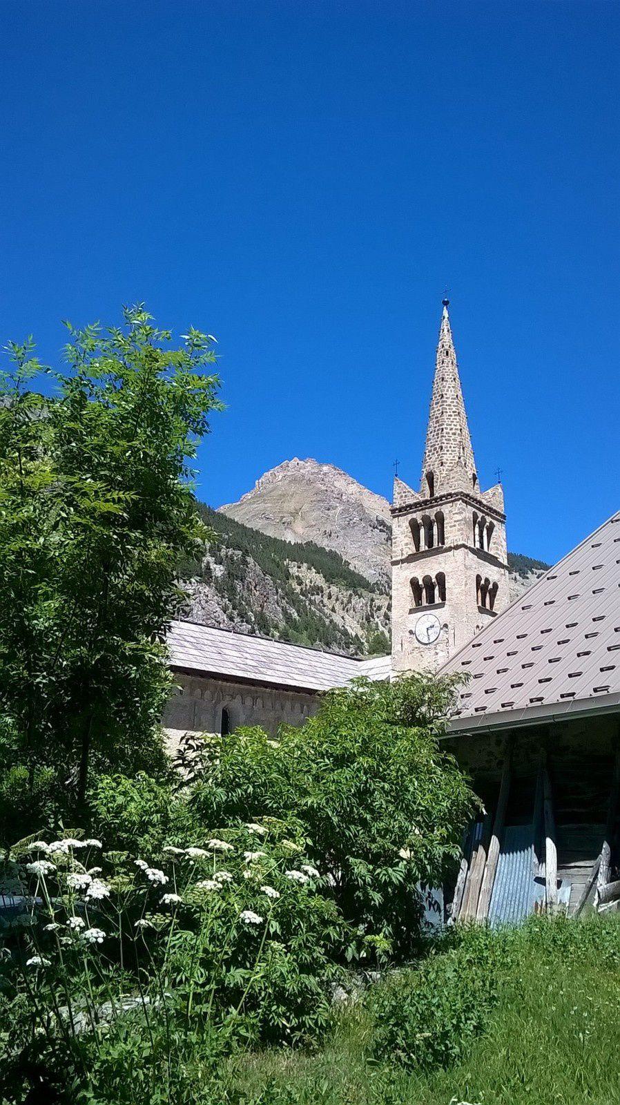 Eglise Saint-Marcellin de NEVACHE.
