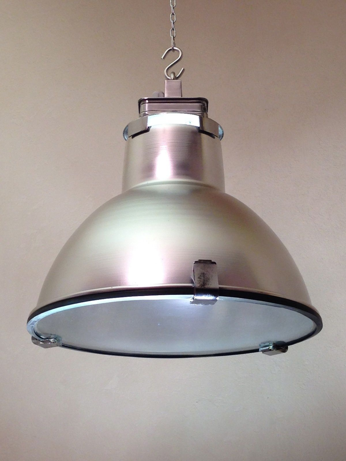 Lampes industrielles vintage 70 39 brocindus - Lampe suspension industrielle ...