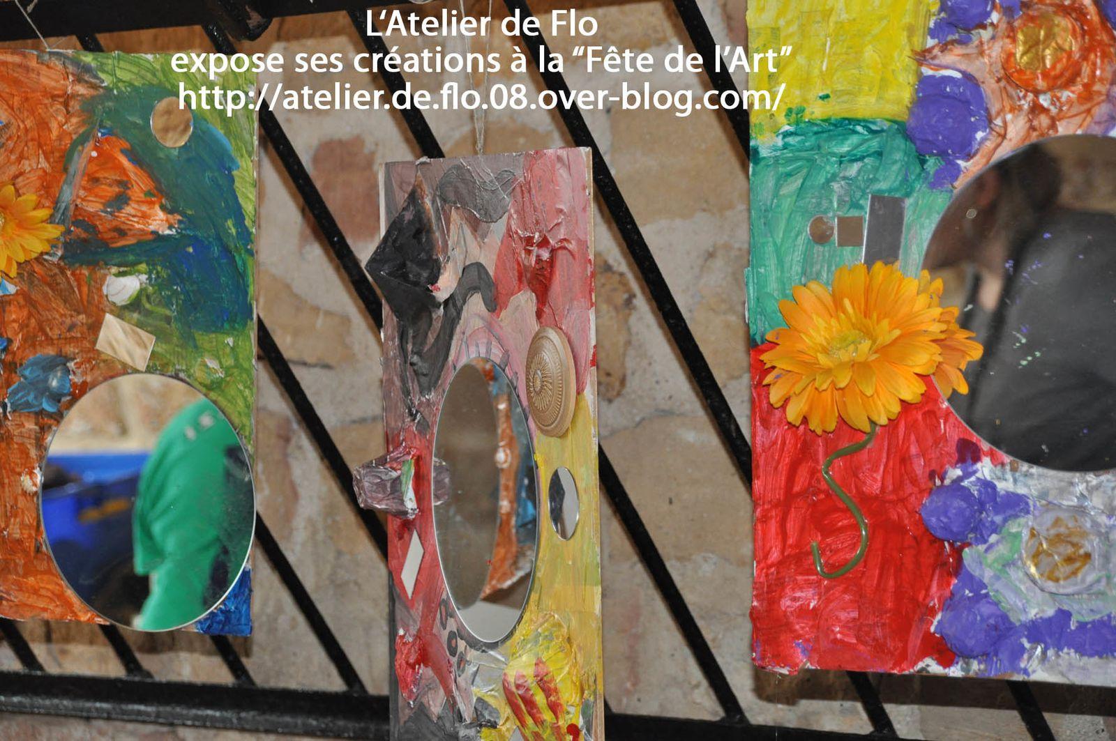 Exposition dans la grande salle de tous les ateliers, dont les tableaux vivants de l'Atelier Enfants