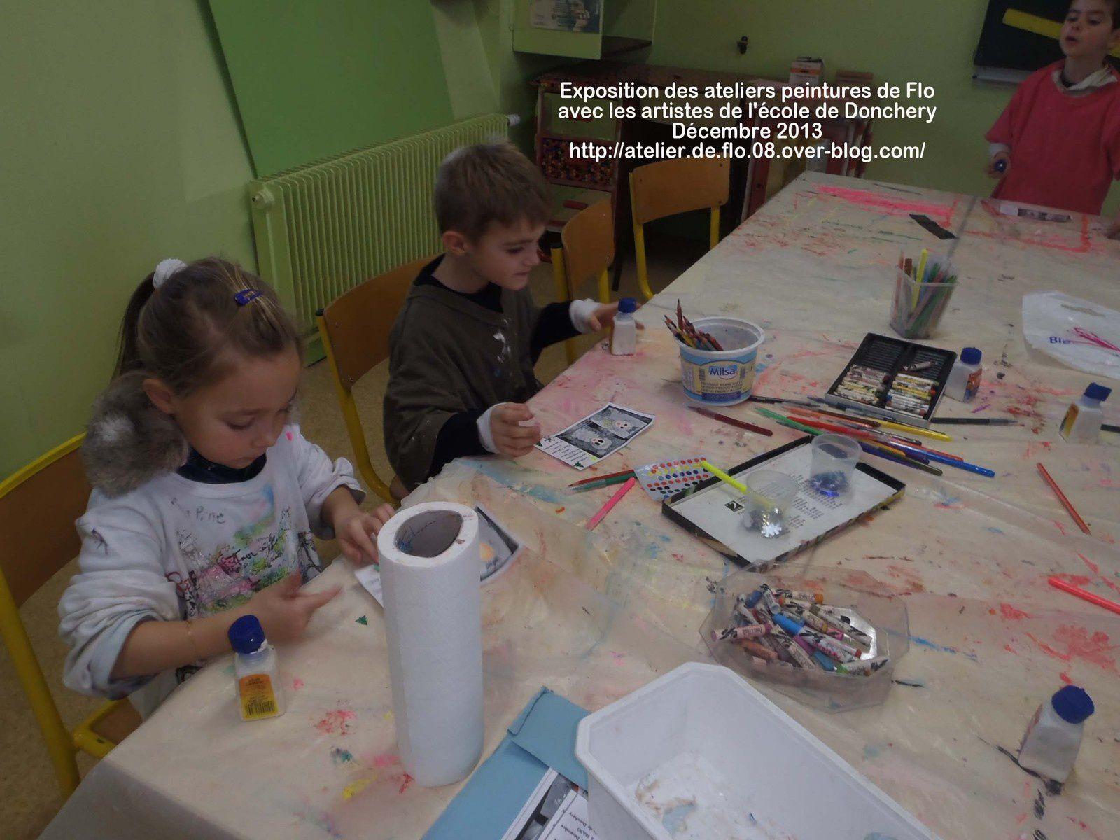 Les jeunes artistes préparent l'exposition
