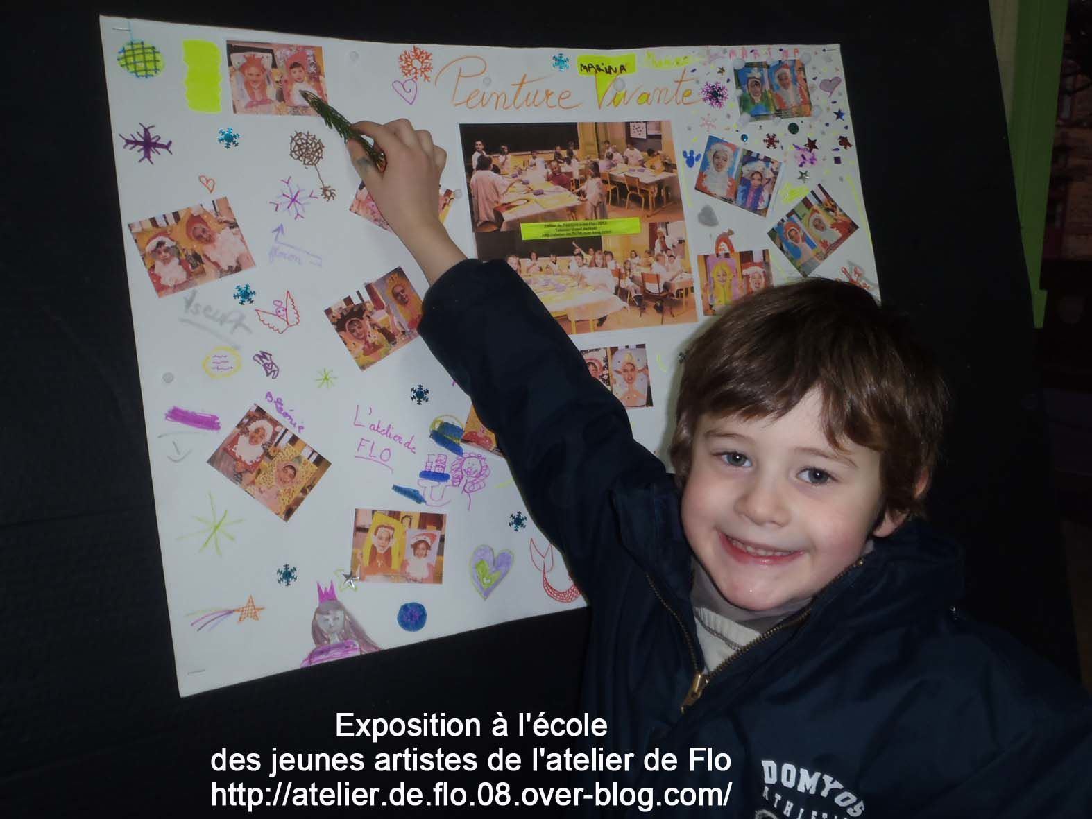 Les jeunes artistes Donchérois et le Maire de Donchery qui est venu participer à l'exposition !