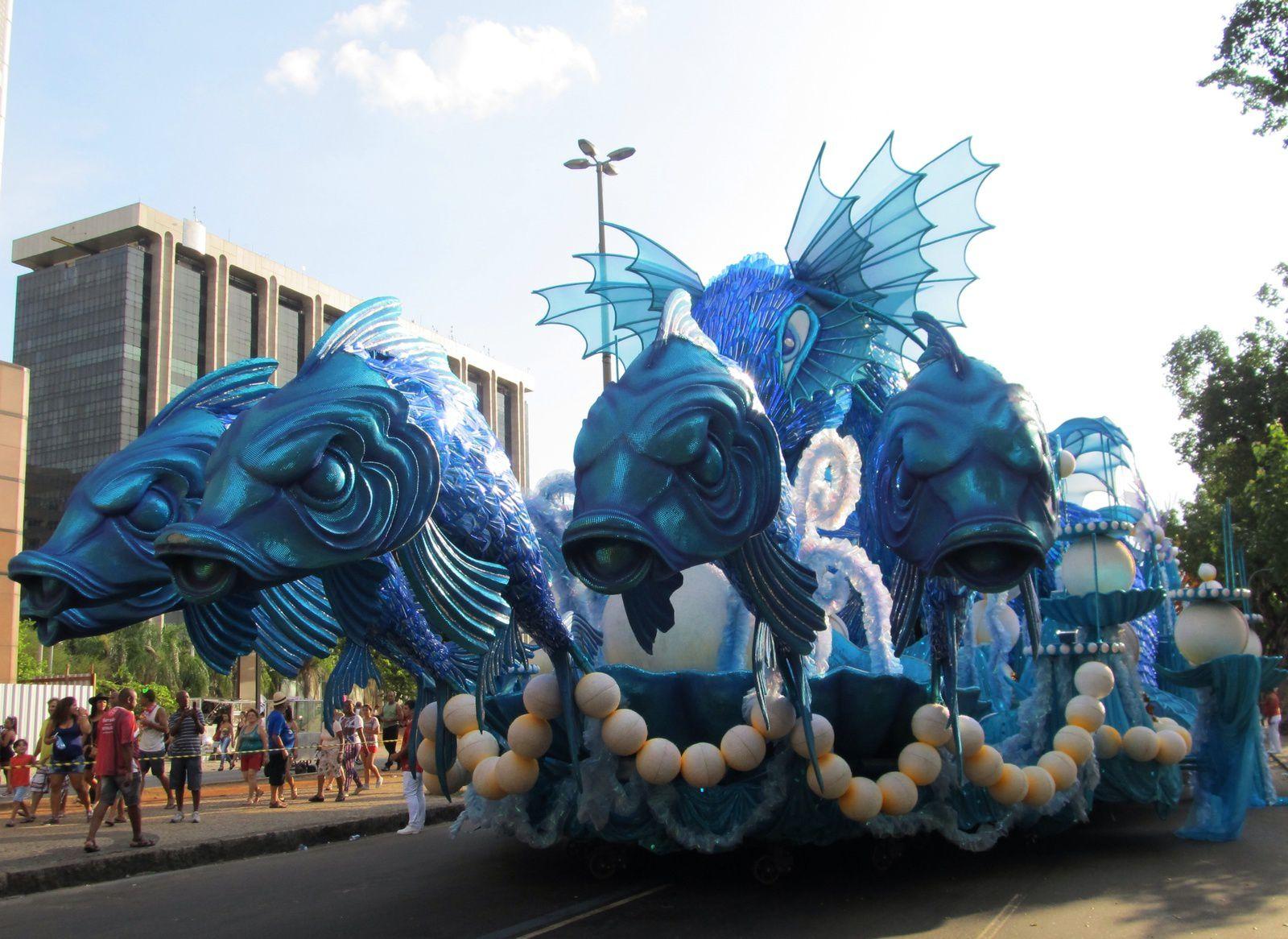 CARNAVAL DE RIO  3 ÉME // CARIOCAS DANS LA RUE ET 2  FRANÇAIS //
