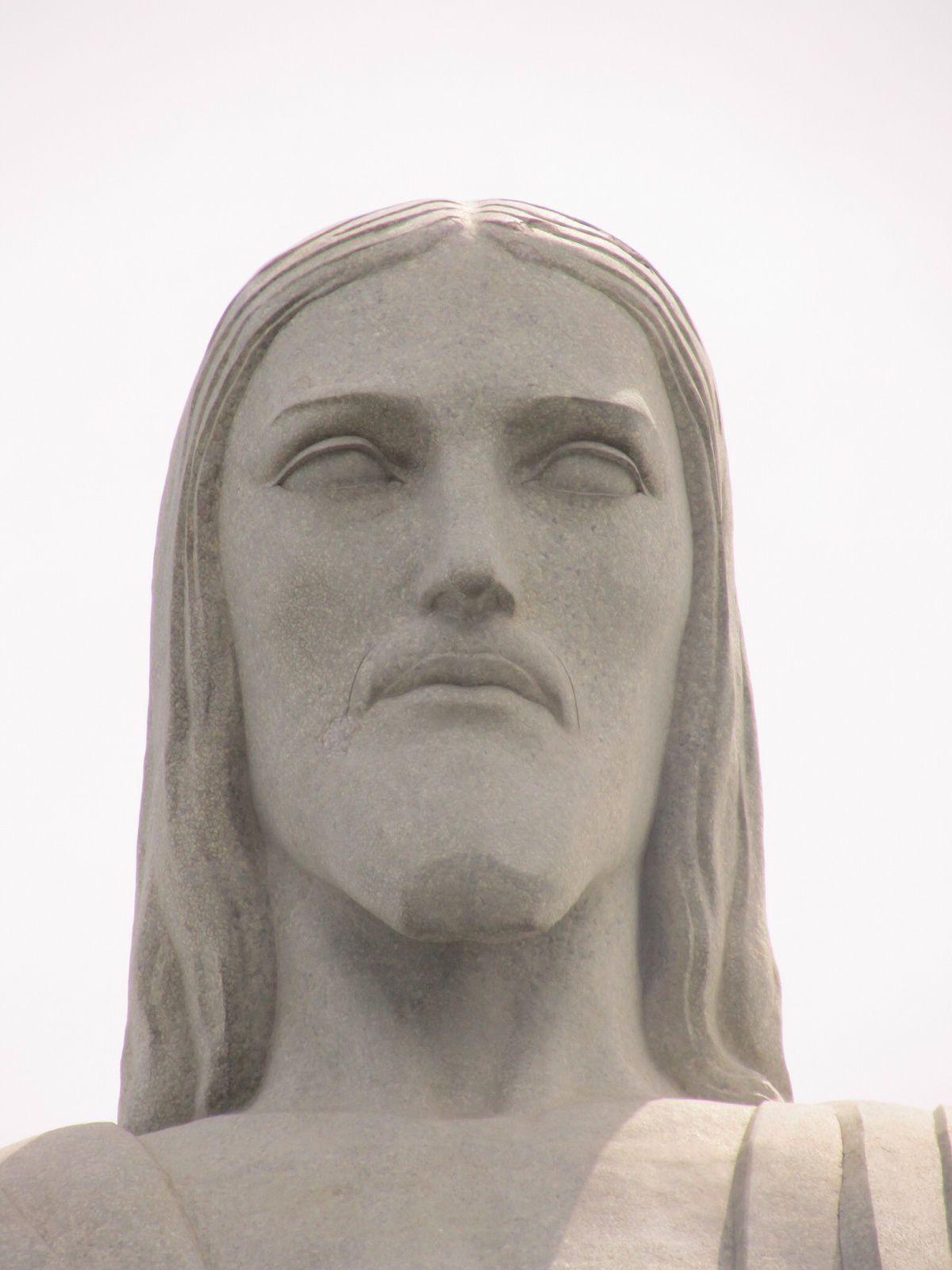 CHRIS   DEVANT   LE   CHRIST  .