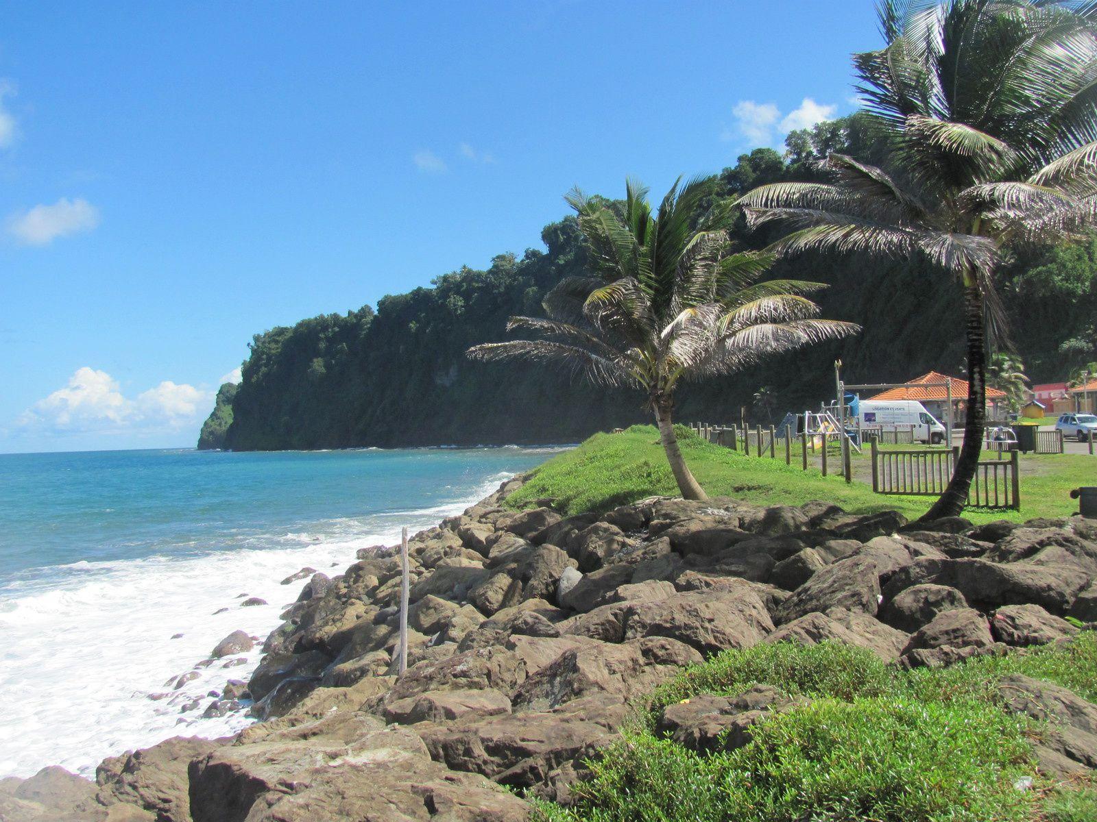 LE PITON  &quot&#x3B; CRÈVE CŒUR &quot&#x3B; // MACOUBA // GRAND'-RIVIÈRE LES MAISONS CROQUIGNOLETTES .