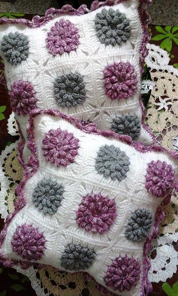 Coussins crochet au point popcorn : suite