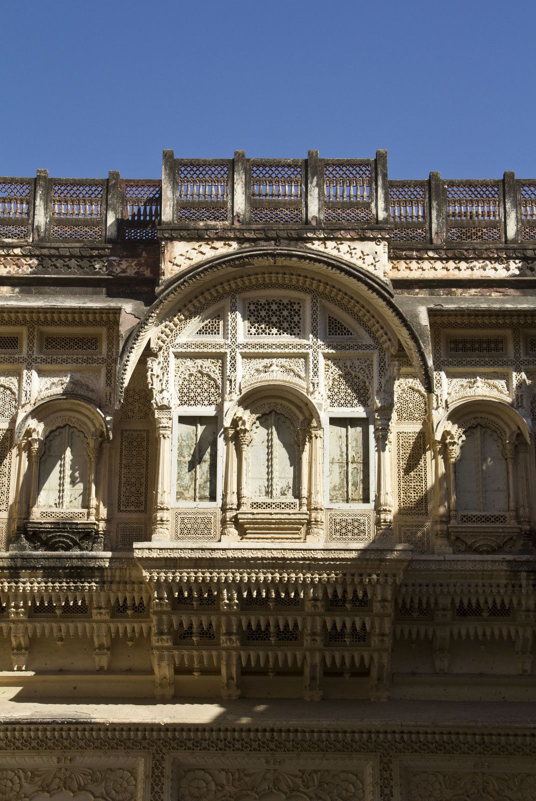 Vues externes du palais, dont le zenana.