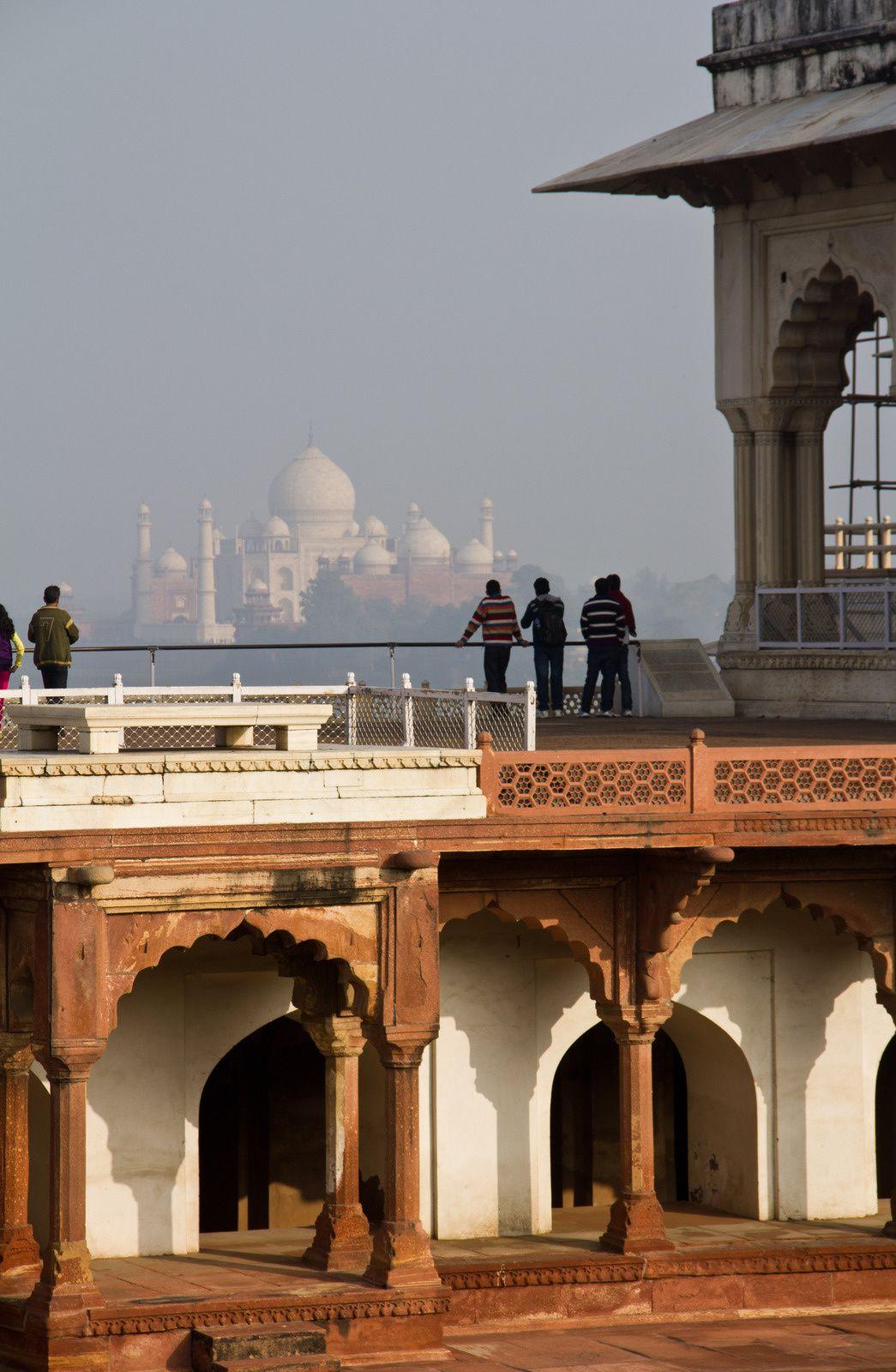 Vues du Taj Mahal depuis le Red Fort