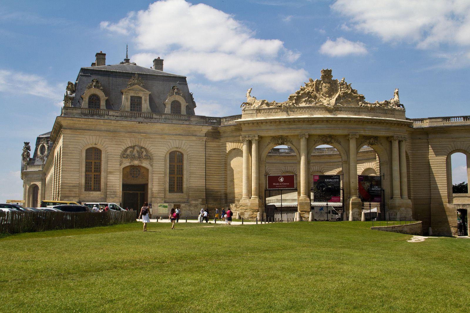 Le musée du cheval, les écuries, l'hippodrome