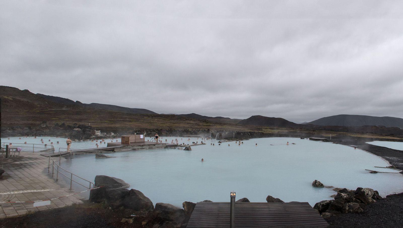 Islande : le lac Mývatn, la chute de Goðafoss, le musée Laufas.