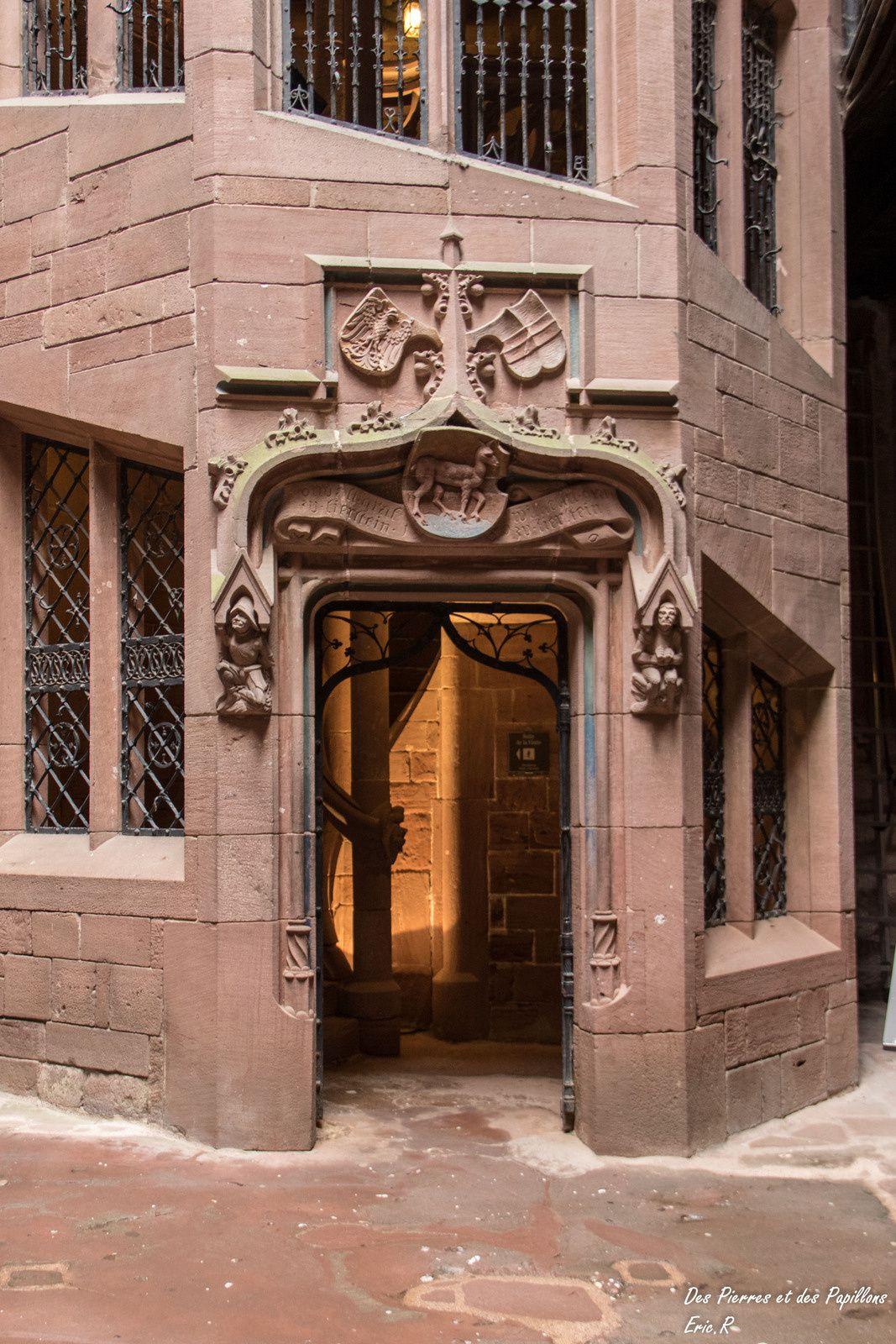 Vues des portes et escaliers