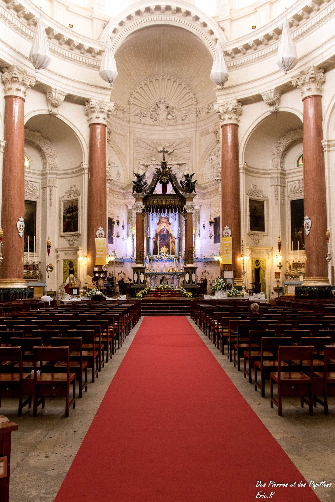 "Intérieur de l'église ""our lady of mount Carmel"""