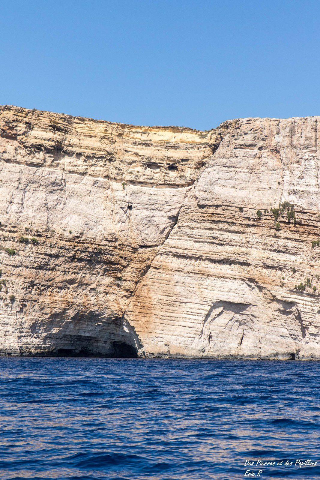 Vues des falaises de la côte sud.