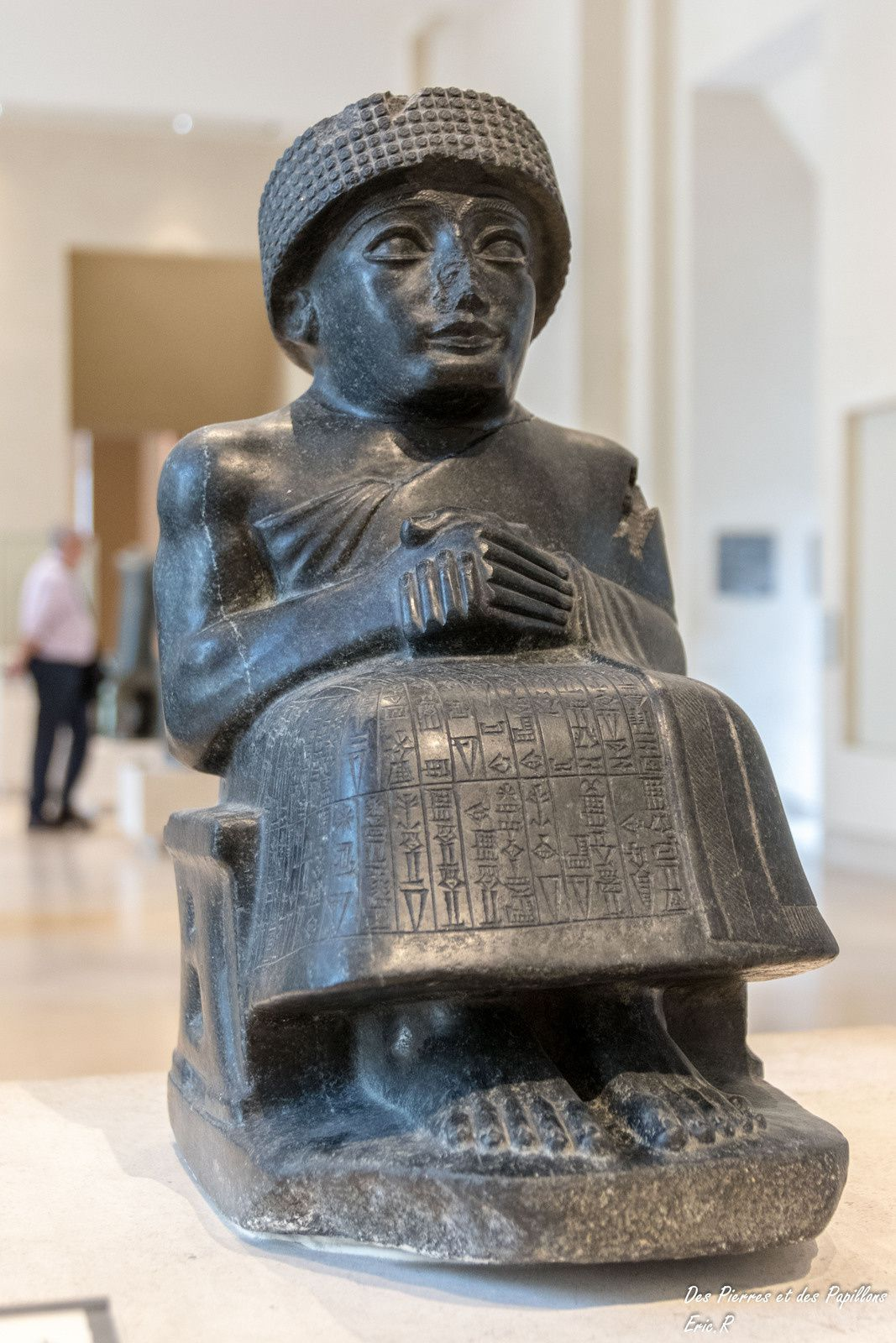 Statue assise de Gudea, prince de Lagash.