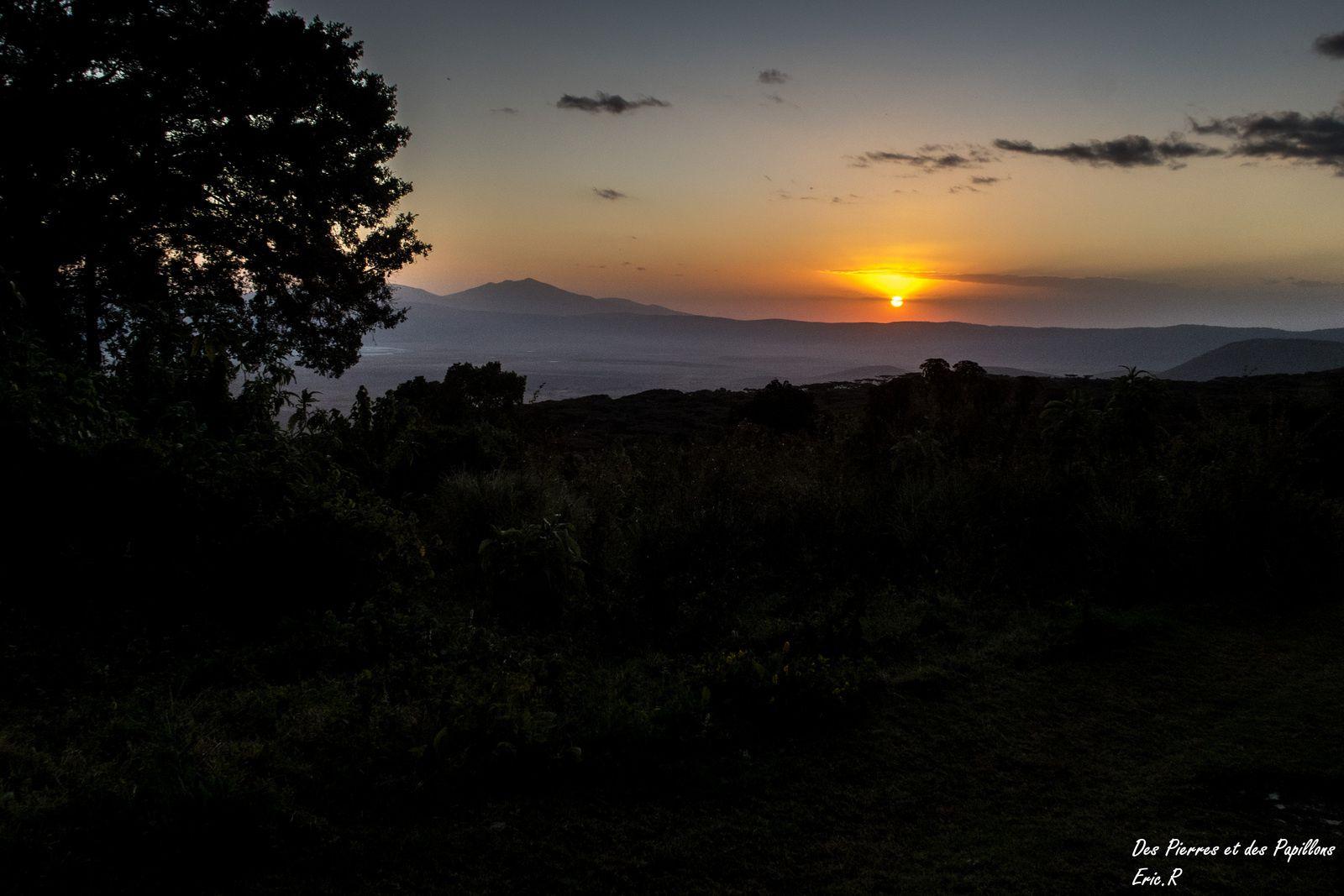 Coucher de soleil sur le cratère du Ngorongoro
