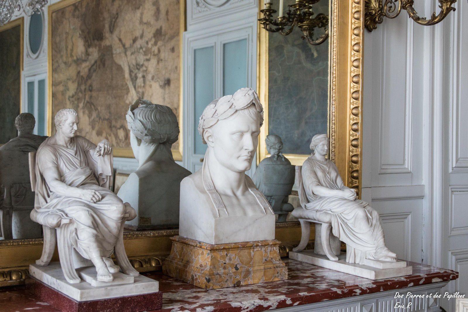 Sculptures et vases