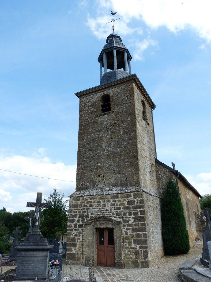 Frénois (commune de Sedan, Ardennes). L'église et le cimetière