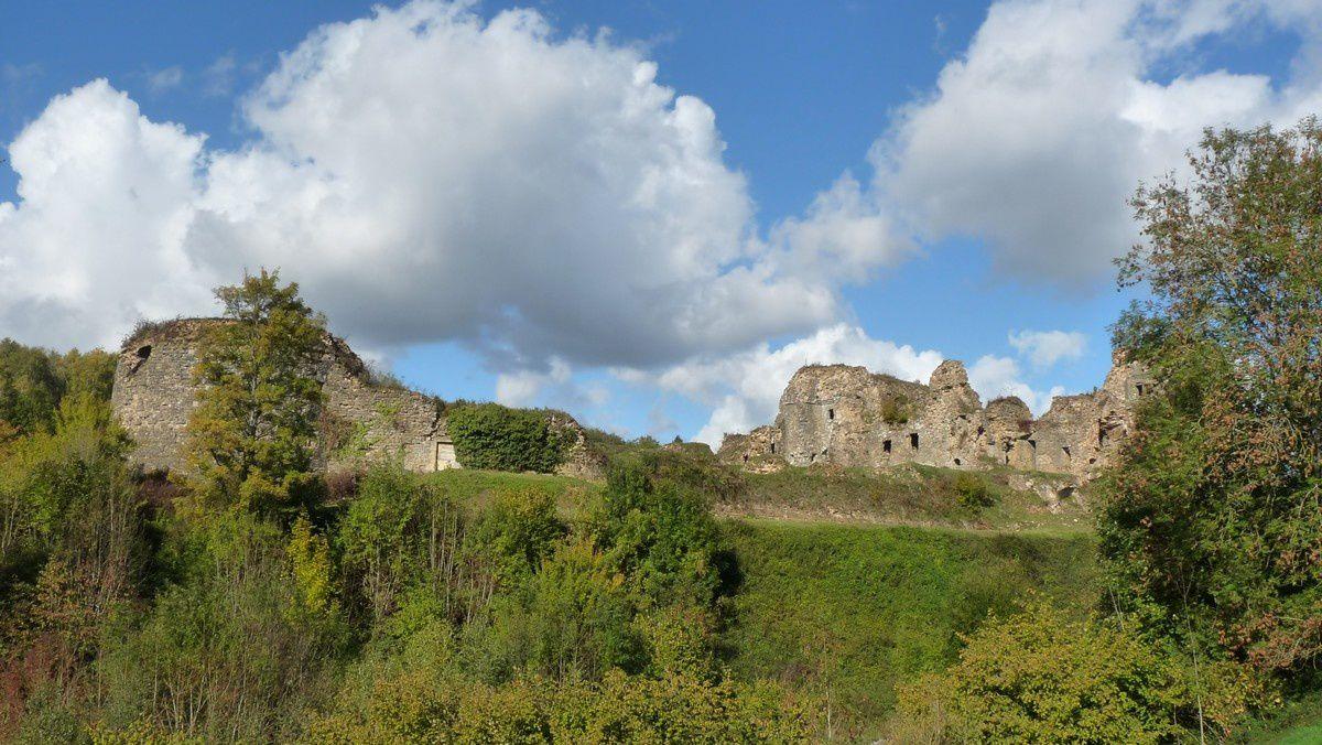 Le château de Montcornet (Ardennes)
