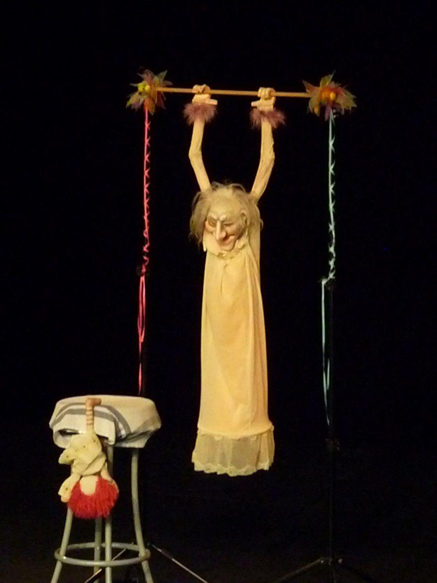 Charleville-Mézières. Festival mondial des théâtres de marionnettes. Mathilde