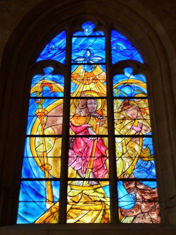 Le Chesne (Ardennes) : les vitraux de l'église
