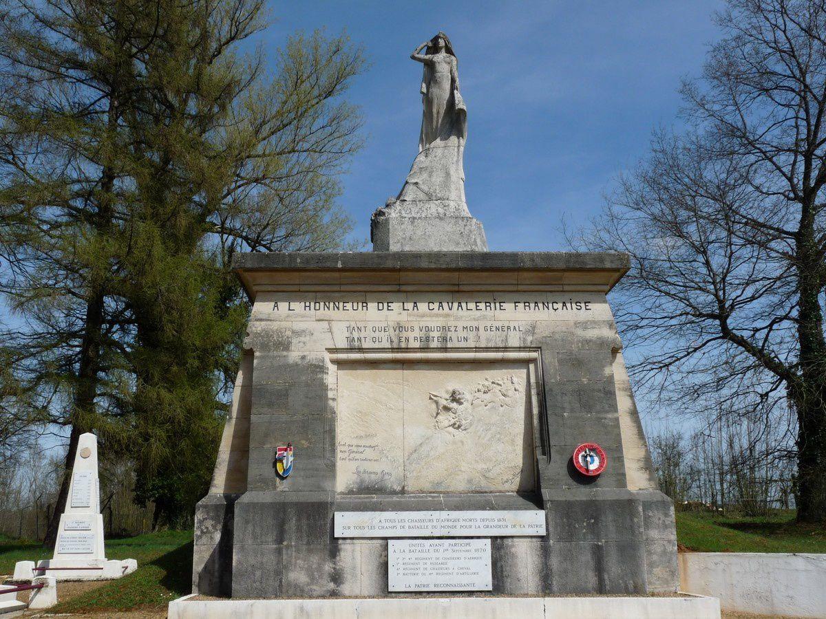 Le mémorial des chasseurs d'Afrique à Floing (Ardennes)