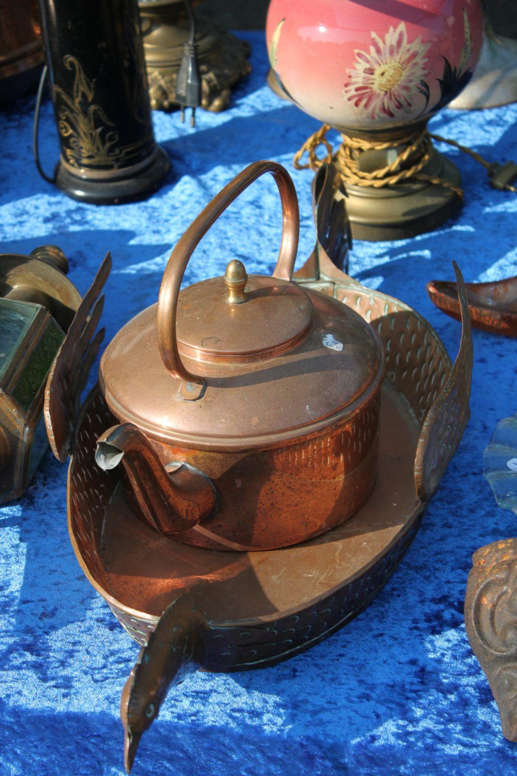 Le garage exposait ses antiquités le 7 juillet à la Chartre sur le Loir