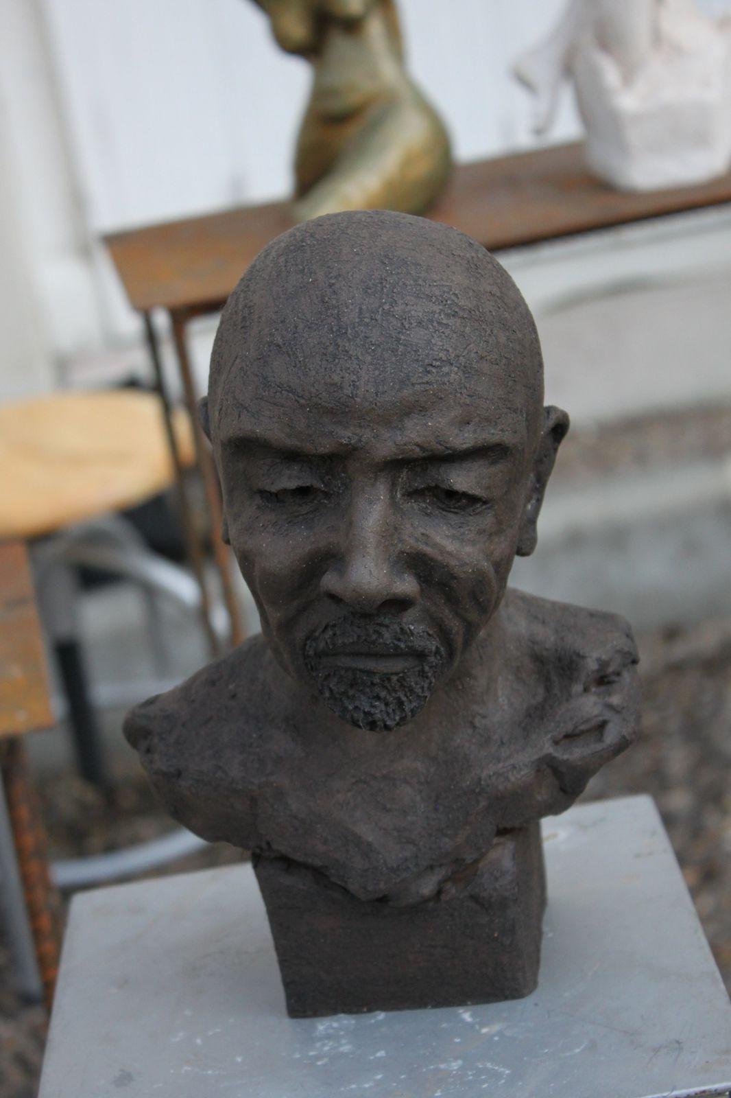 Rachel Painchaud sculpteur était présente au salon &quot&#x3B;Puces Antiquités Artistes&quot&#x3B;