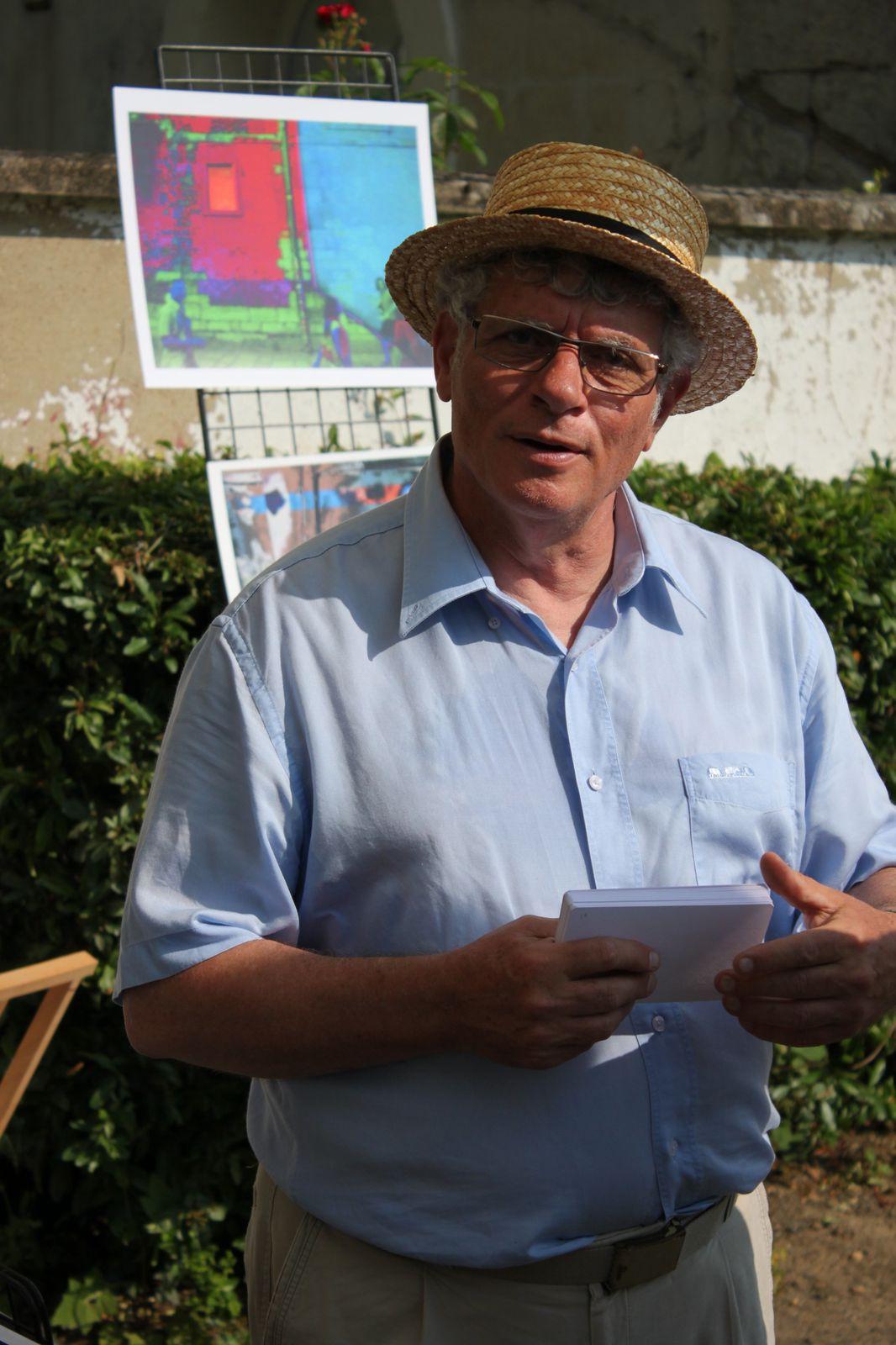 Alain Gasiglia habitué du salon &quot&#x3B;Puces antiquités Artistes&quot&#x3B; exposait le 7 juillet dernier