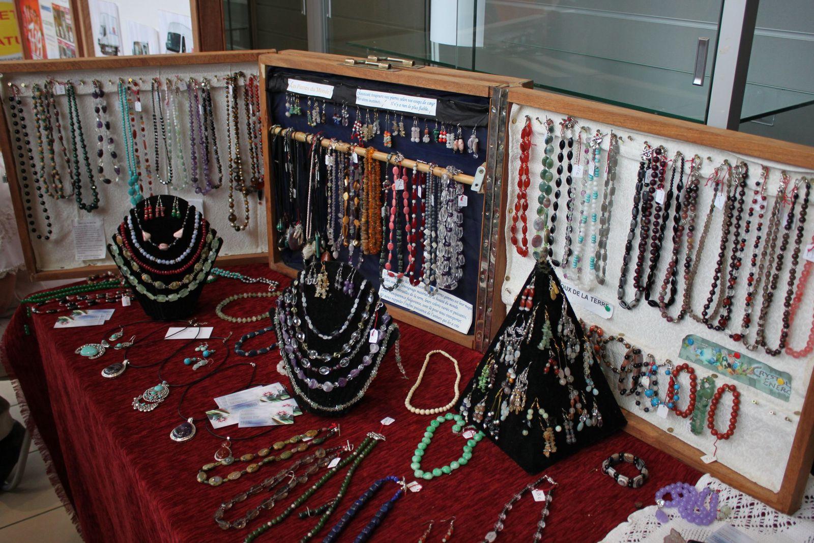 Lucette Bardet une créatrice de bijoux qui parcours le monde !!