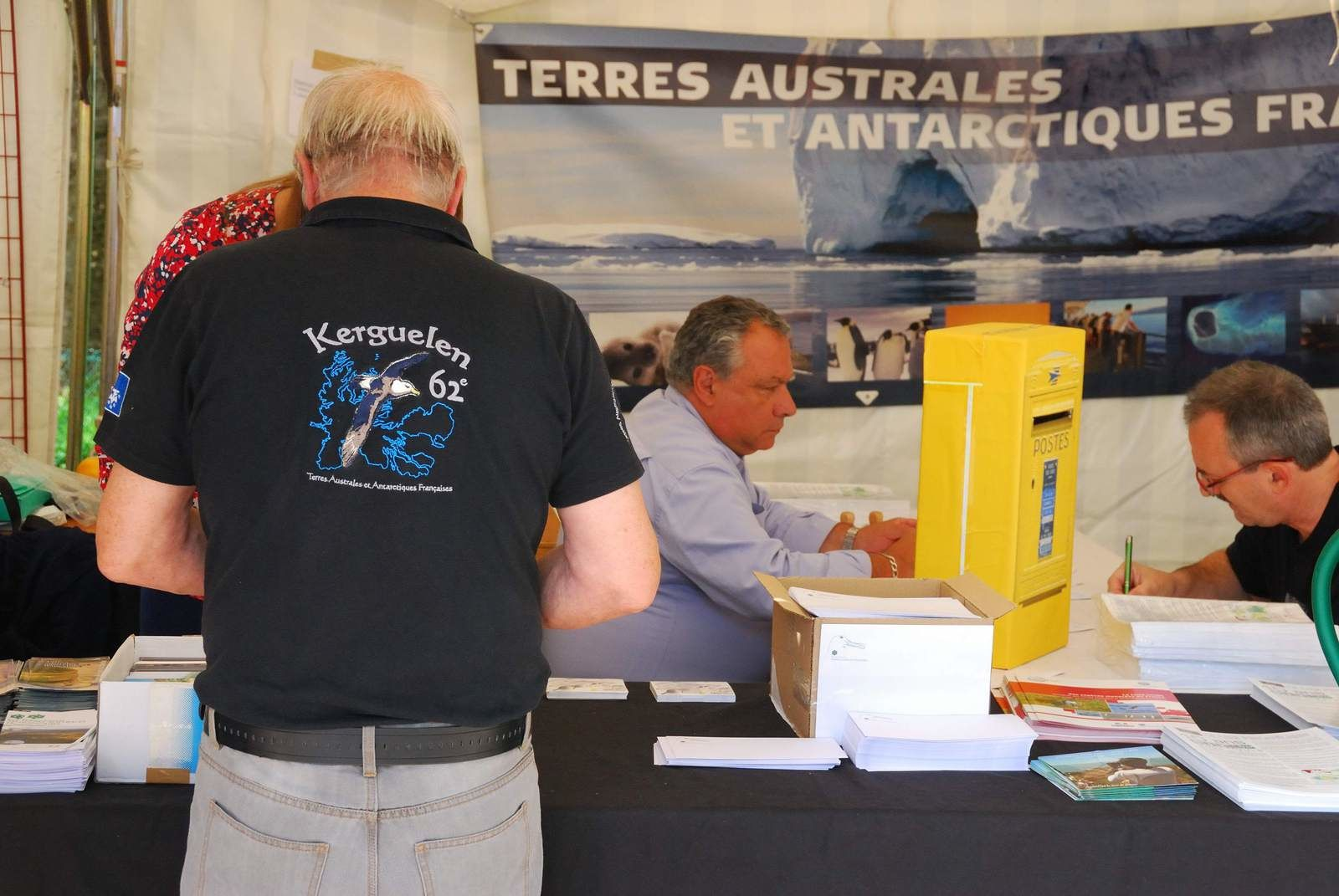 Le stand des TAAF  pendant EcoZone