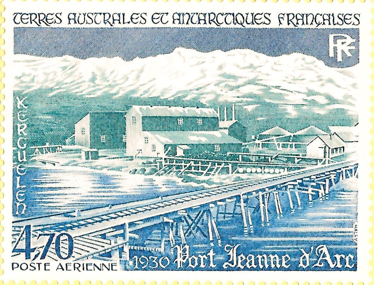 Port jeanne d'Arc en 1930 (TP Y&T PA80) et timbre du Centenaire (Y&T 504)