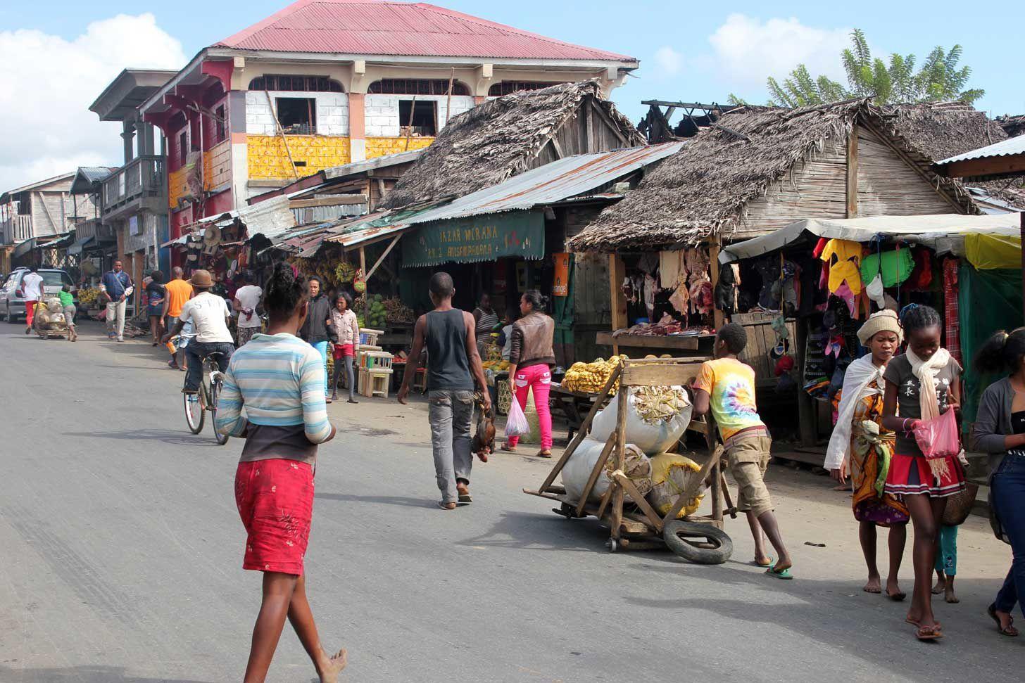 Chroniques malgaches (10) : Cap à l'Est sur la nationale 2.....