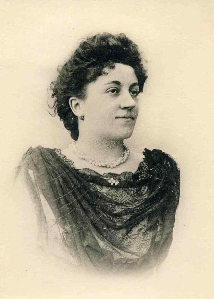 Portrait et Signature de Marie Barberet