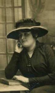 Célina Brisbarre, sa soeur