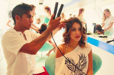 comment se coiffer comme martina stoessel