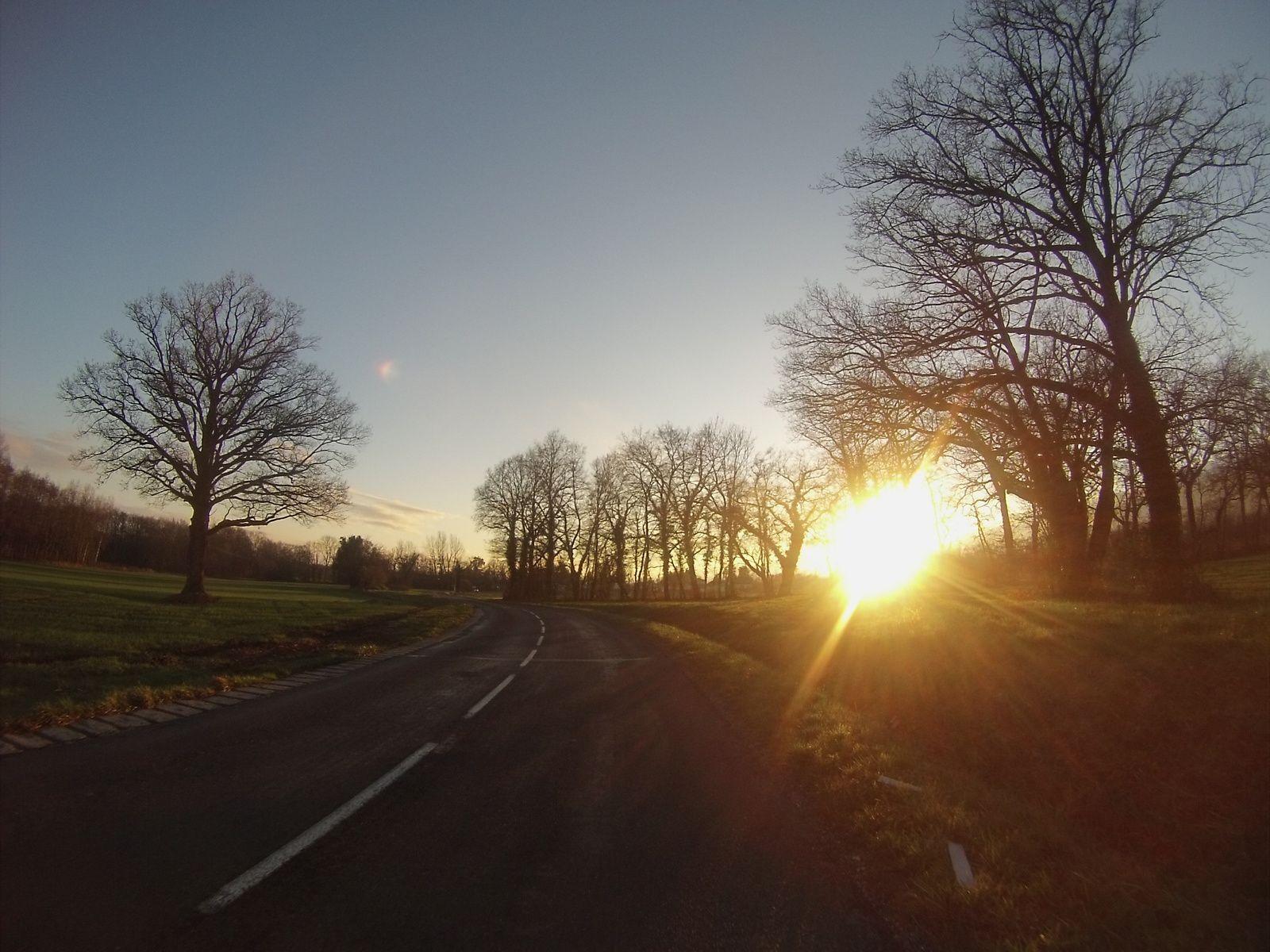 Je cueille les derniers rayons du soleil en arrivant à Brétigny