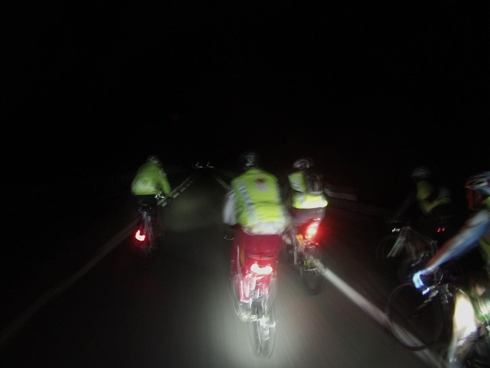3h de vélo de nuit nous attendent...