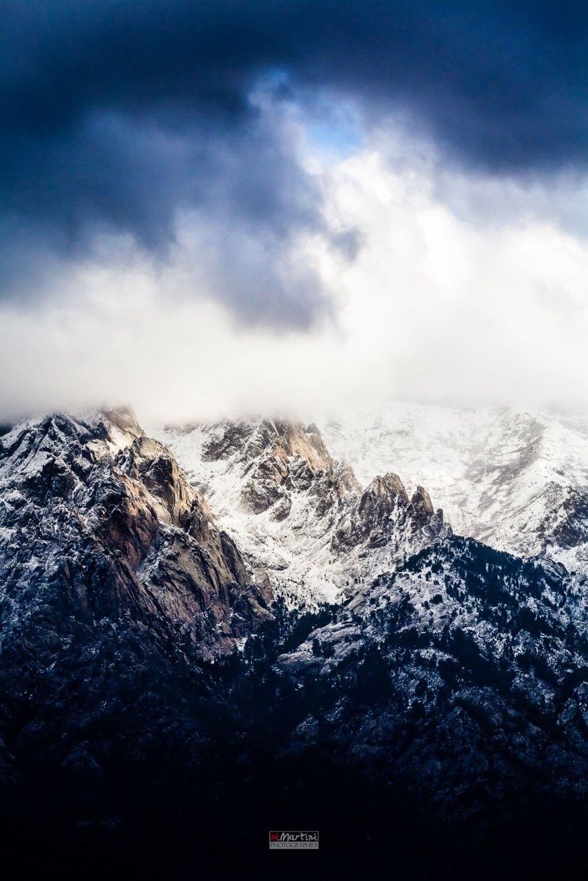 Une montagne blanchie