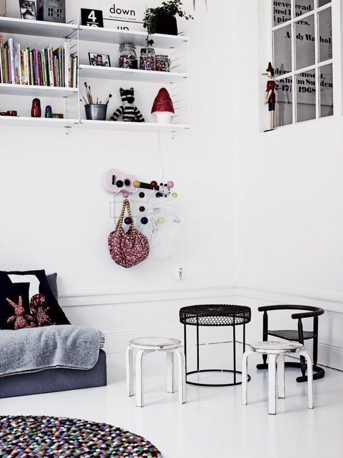 Chambre d'enfant en noir et blanc