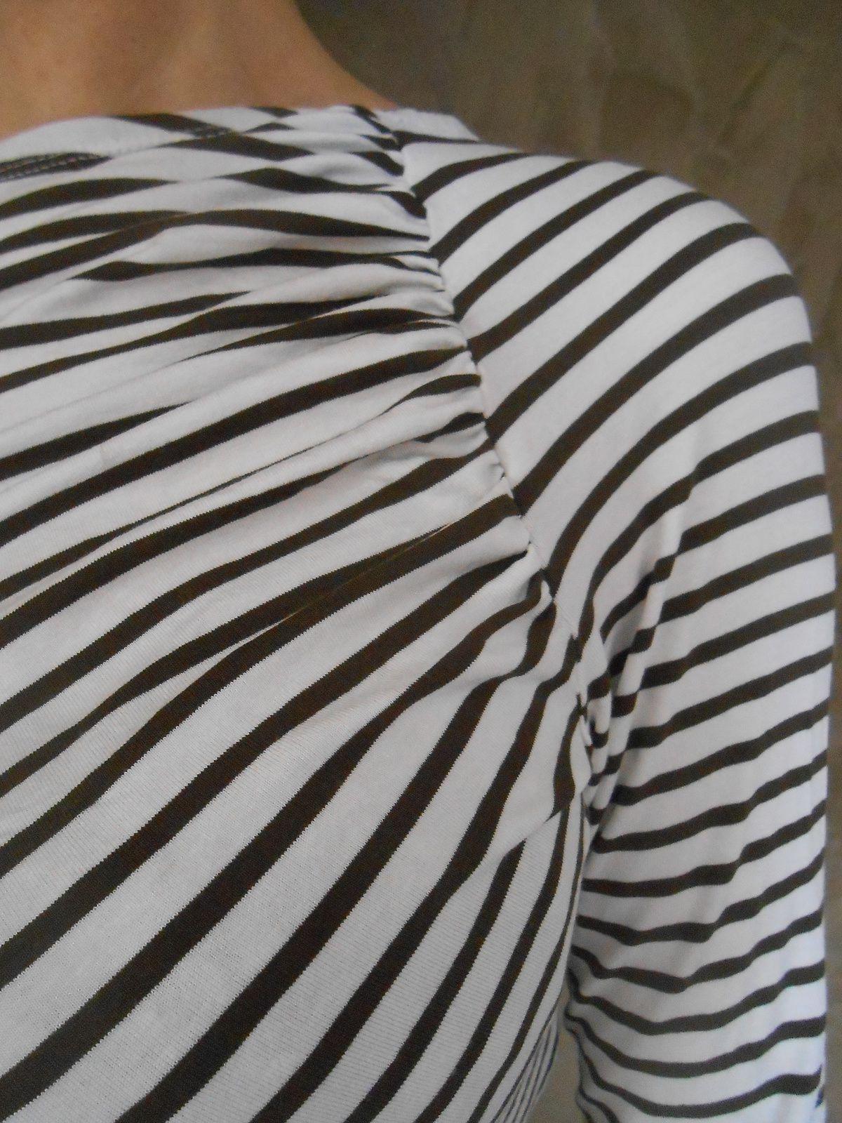 Tee shirt destructuré à rayures