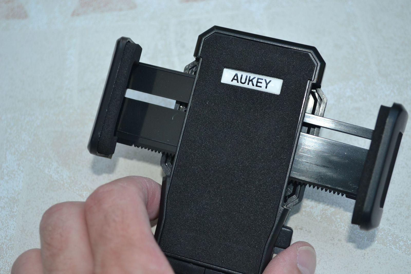 Detail du support AUKEY HD-C1